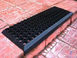 Ячеистые накладки на ступени 25х75 см