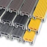 """Алюминиевая решетка с грязезащитными вставками """"ВходКовер"""" h-20мм резина-резина"""