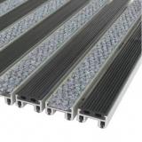 """Алюминиевая решетка с грязезащитными вставками """"ВходКовер"""" h-20мм резина-ворс"""